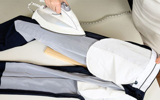 Как убрать стрелки на брюках? предварительные этапы. процесс разглаживания без следа. обработка заглаженных стрелок