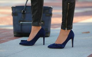 С чем носить синие туфли: на каблуке, бархатные, замшевые и другие модели