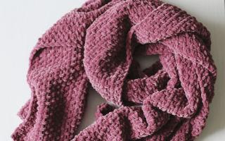 Снуд из велюровой пряжи спицами: шарф, 2 модели