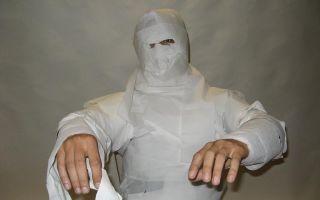 Костюм мумии на хэллоуин своими руками: из туалетной бумаги, бинтов, ткани.