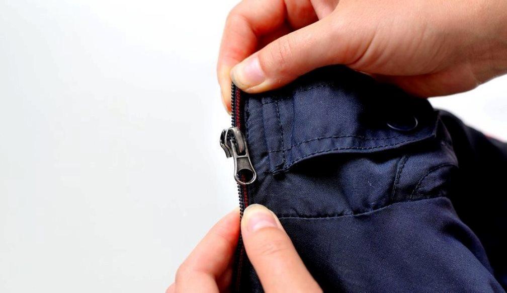 как починить куртку